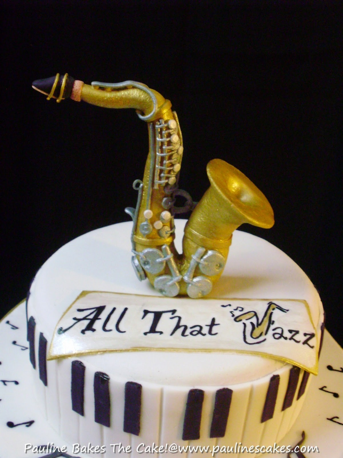 Cake Decorations Music Theme : saxophone cakes on Pinterest Saxophones, Cake Toppers ...