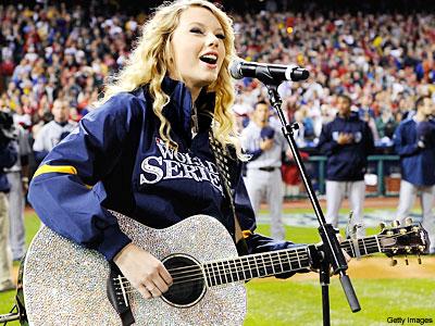 Taylor Swiftguitar on Argh Tengok Guitar Taylor Swift Mengancam Kot