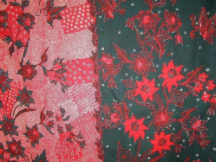 Echantillon de batik madurais, connu pour ses couleurs vives ainsi que ses motifs animaliers et/ou floraux. Sumenep est restée un centre artisanal actif et produit certains des plus beaux batiks de l'île (Savira Batik).