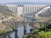 Presa y puente de Alcántara