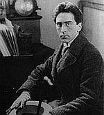 Jean Cocteau (Retratado por Man Ray)