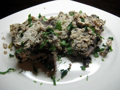 Articole culinare : Limba cu sos de smantana si nuci