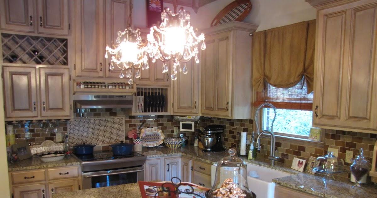 Southern Blonde: SUYL- Kitchen