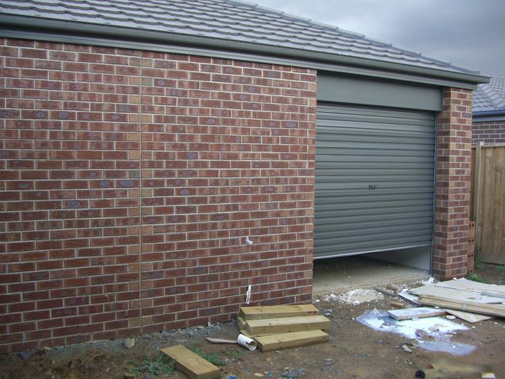 Garage doors & Our Henley Voyager 383: Garage doors