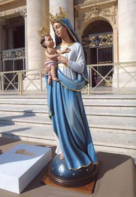 Statua lignea della Madonna con Bambino benedetta da Papa Benedetto XVI