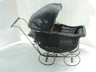 OLD VINTAGE ANTIQUE WICKER BABY BUGGY STROLLER