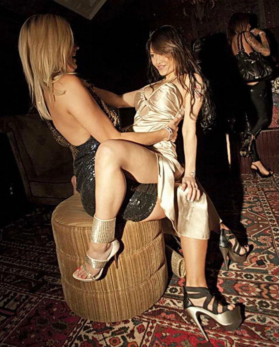 tila tequila lap dance hot Jenny Mccarthy Bikini With Jim Carrey