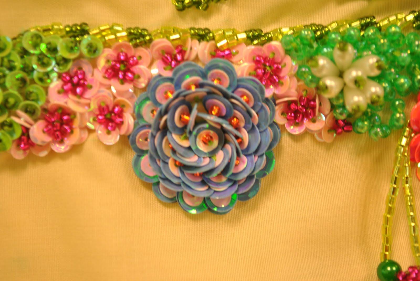 ... terdapat bunga Lily(pink), cendawan (hijau muda) dan hibrid