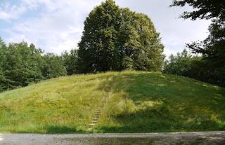 Hohmichele bei Hundersingen / der Heuneburg
