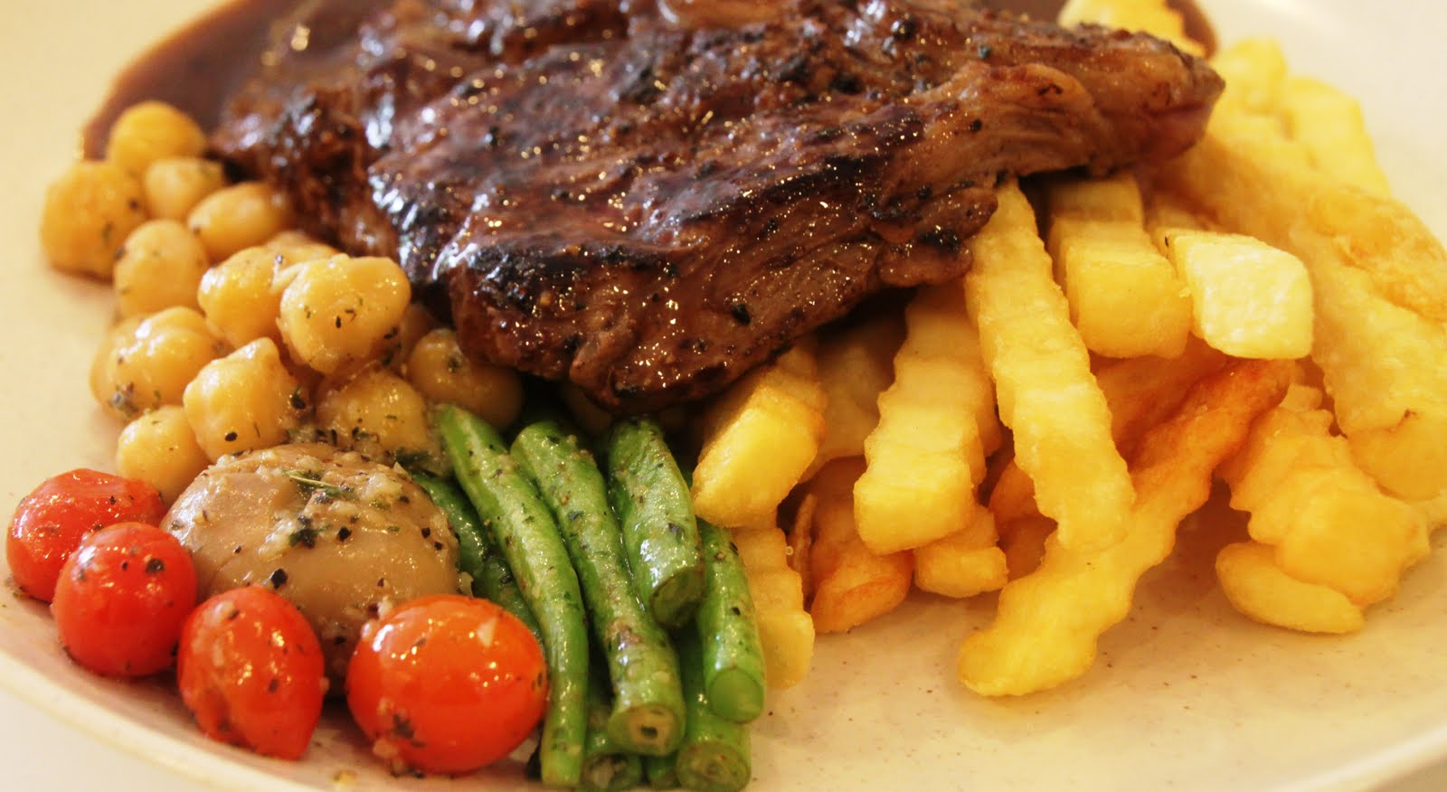 plateful of black pepper steak is the solution for your lunch