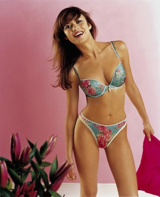 Olga Kurylenko Sexy Bikini PhotosWallpapers Pics Pictures amp Biography sexy stills