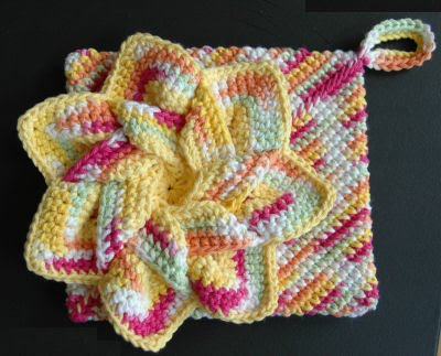 Crochet Patterns Hot Pads : Embroidery Garden: Crocheted Flower Hot Pads