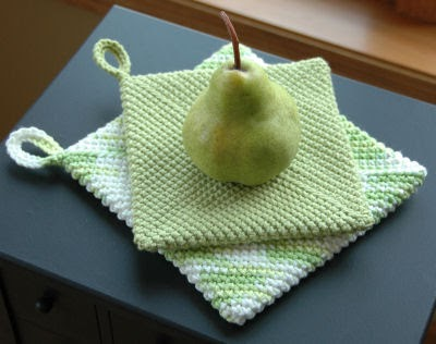 Embroidery Garden: Peary Easy Hot Pad / Pot Holders