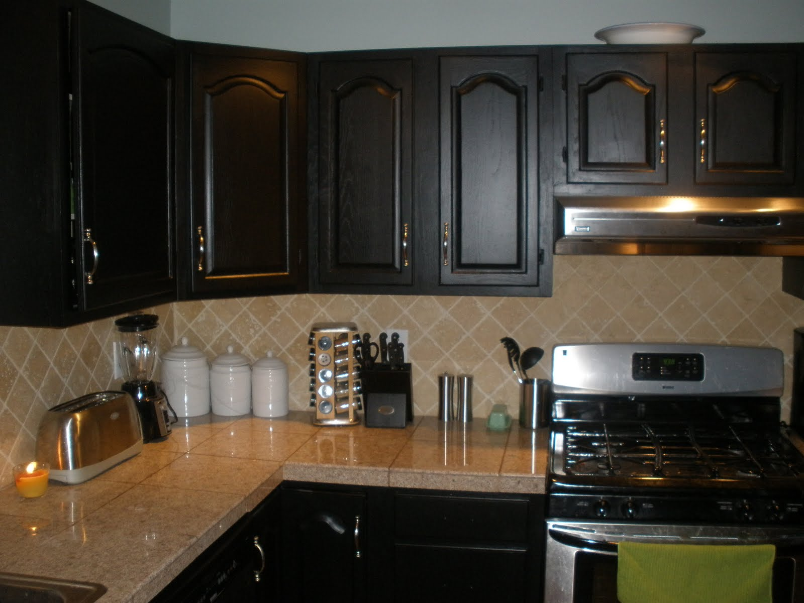 Just showing up kitchen re do for Best way to spray paint kitchen cabinets