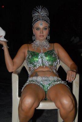 Rakhi Sawant leg