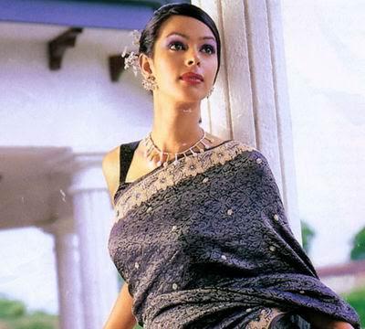 mallika sherawat saree rare look