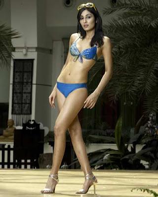 pooja chopra bikini pics