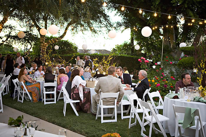 Backyard Wedding Venues : Planning an Outdoor Wedding Reception  Wedding Life