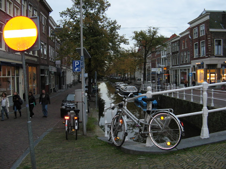 Anocheciendo en Delft
