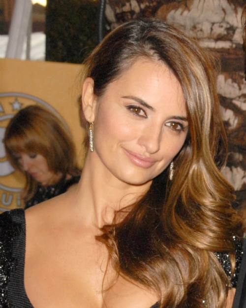 Penelope Cruz Hair, Long Hairstyle 2011, Hairstyle 2011, New Long Hairstyle 2011, Celebrity Long Hairstyles 2071
