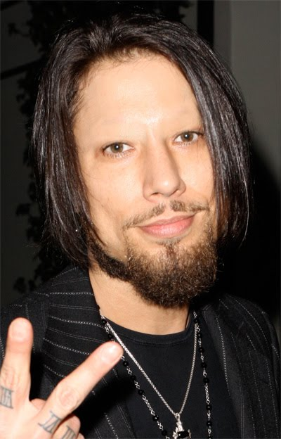 Celebs Without Eyebrows: Dave Navarro Andrew Garfield Gay