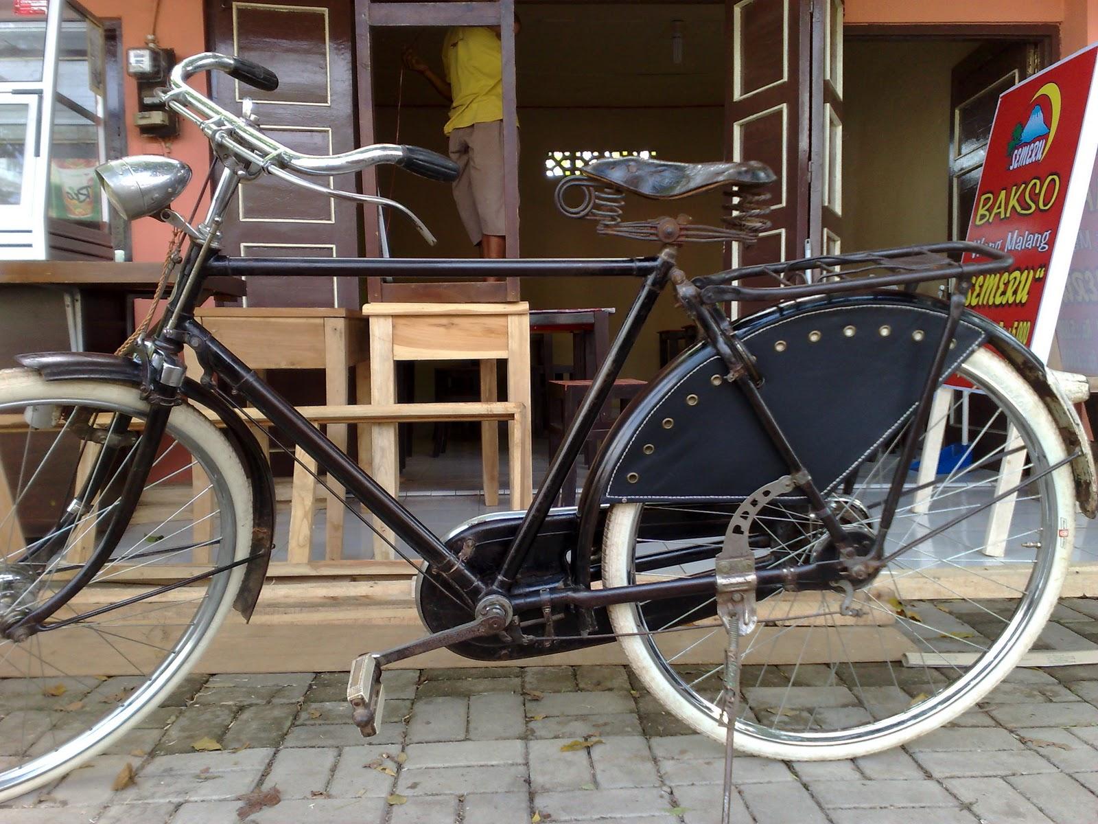 Jual Beli Sepeda Ontel Antik