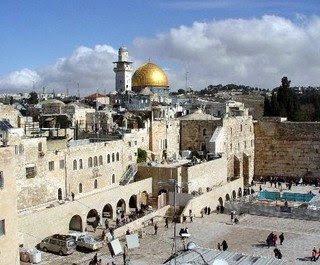Yerusalem, Damai di Pelukan Islam