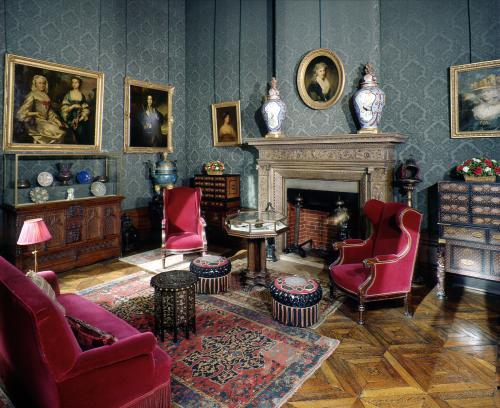xtreme art tourist paris. Black Bedroom Furniture Sets. Home Design Ideas