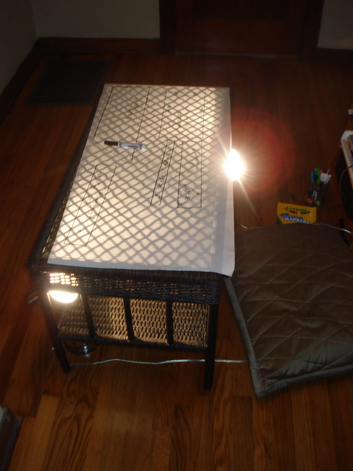 how to make a makeshift light table