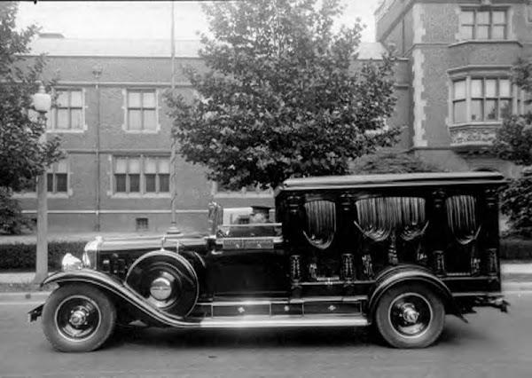 1930 Cadillac Half Coach Hearse ~