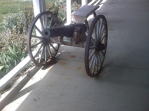 Old Civil War Cannon ~