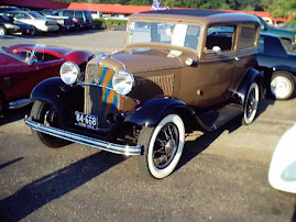 '32 Ford 2-Door Sedan
