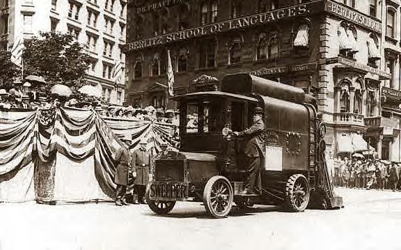 NY Street Sweeper 1910