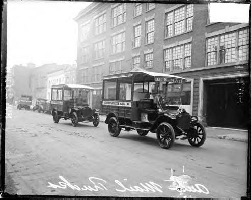 Automobiles that replaced horse drawn vehicles for the delivery of mail. Chicago. 11-17-1915