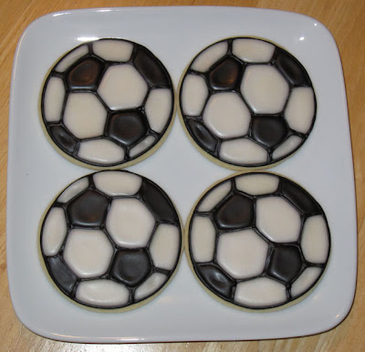 Soccer-Ball-Decorated-Cookies-Royal-Icing-Sugar