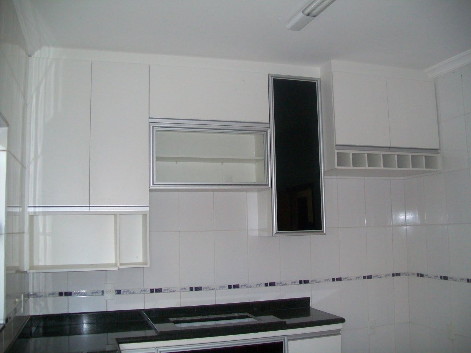 #1B1E1E  de Cozinha em MDF branco com Portas com perfil de alumínio e pelicula 1088 Portas E Janelas De Aluminio Mais Barato Em Bh
