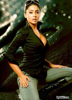 Shriya Saran 's Hottest Photoshoot image