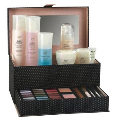 Half Price - No7 Ultimate Collection Gift Set ~ Perfect Beauty Gifts