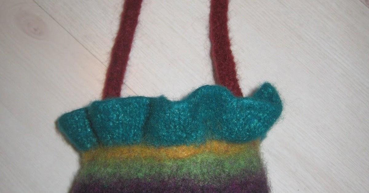 Knit Pattern Ruffle Bag : JAG Walden Knits: Noro Ruffle Felted Bag Pattern