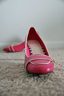 [pink+shoes]