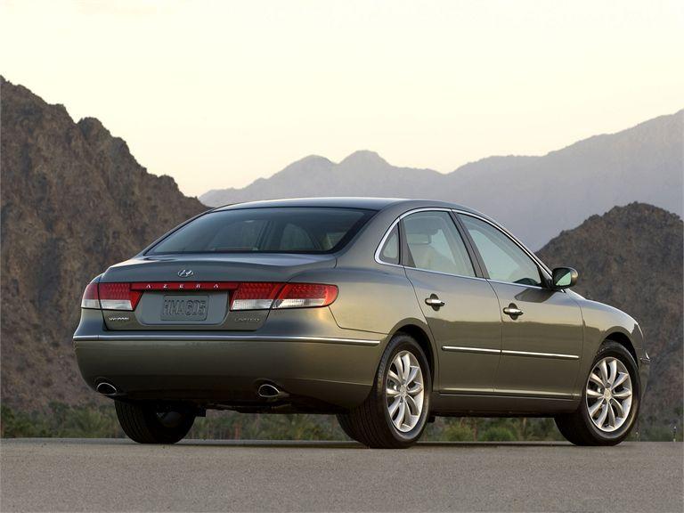 [2008+Hyundai+Azera+Rear.jpg]
