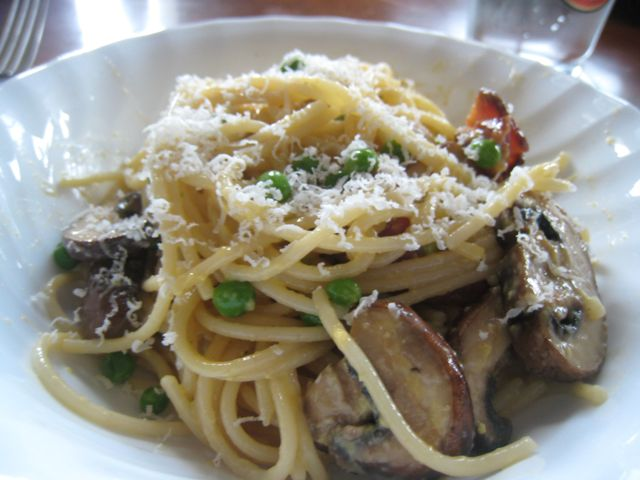 Cooking Concerts: Spaghetti Carbonara with Mushrooms and Peas