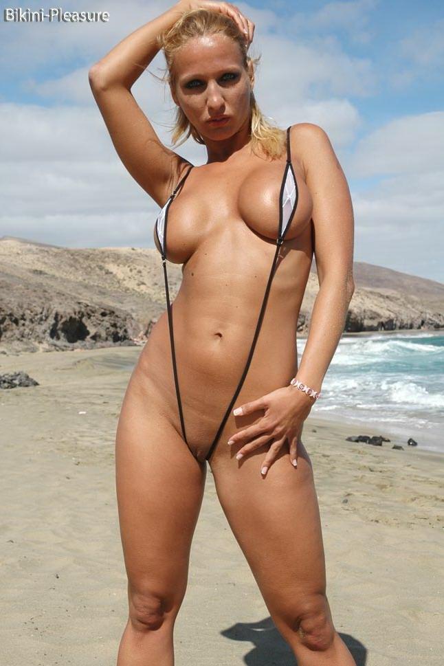 фото голых баб в бикини