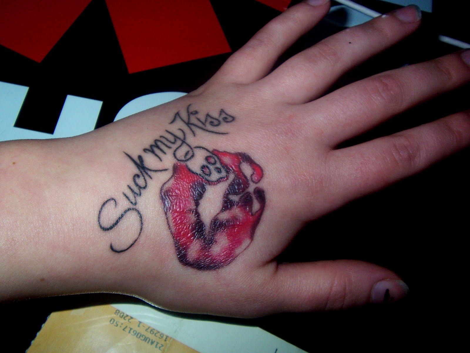tatuering på handen
