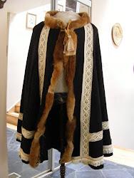 10 panel cloak