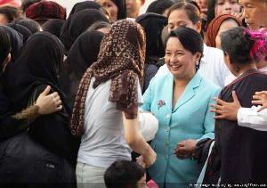 GMA greeted byrepatriated OFWs