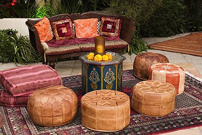 Moroccan Home Decor on Entertain In Style  Put A Persian  Or Knock Off  Outside And Surround