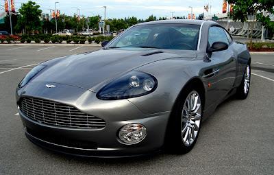 Aston 0 James Bond Aston Martin Vanquish V12 Replica   Based On Ford Mustang Photos