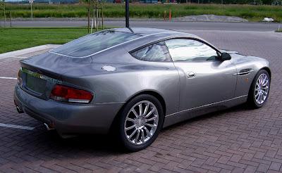 Aston 10 James Bond Aston Martin Vanquish V12 Replica   Based On Ford Mustang Photos