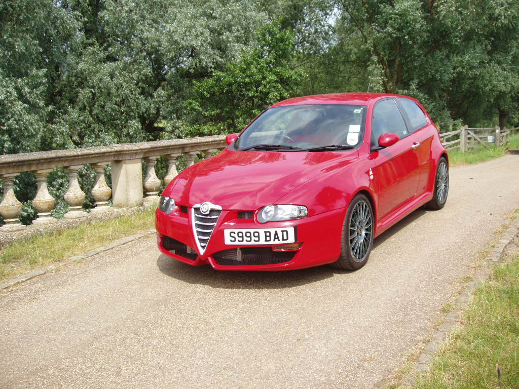 wallpaper alfa romeo 147 gtapetite soumiselylye. Black Bedroom Furniture Sets. Home Design Ideas